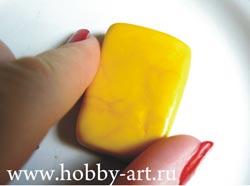 Лепка из полимерной глины забавной фигурки Спанч-боба.