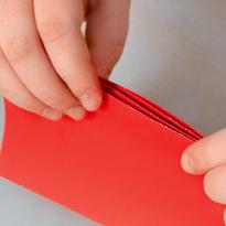 Новогодняя гирлянда из цветной бумаги