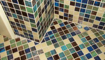 Как правильно выложить пол мозайкой