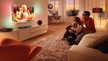 Телевизор на стену в гостиной — 7 ошибок расположения