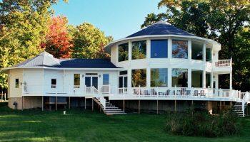 Почему нельзя возводить загородный дом овальной формы