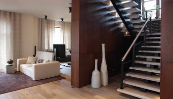 Как не продешевить с лестницей в дом