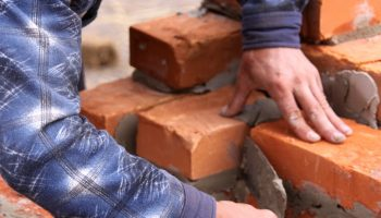 Какой кирпич лучше всего подойдет для строительства дома