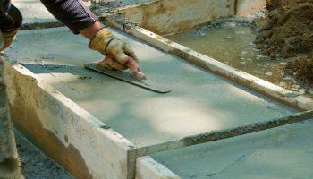 Какие ошибки допускают строители во время заливки фундамента дома