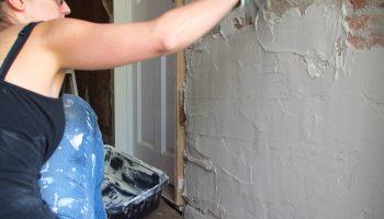 5 ошибок новичков из-за которых придется штукатурить стены заново