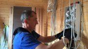 Почему для провода электропроводки в доме рекомендуют обратиться к профессионалам