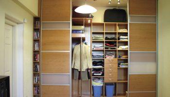 Почему не стоит сносить встроенные шкафы в квартире