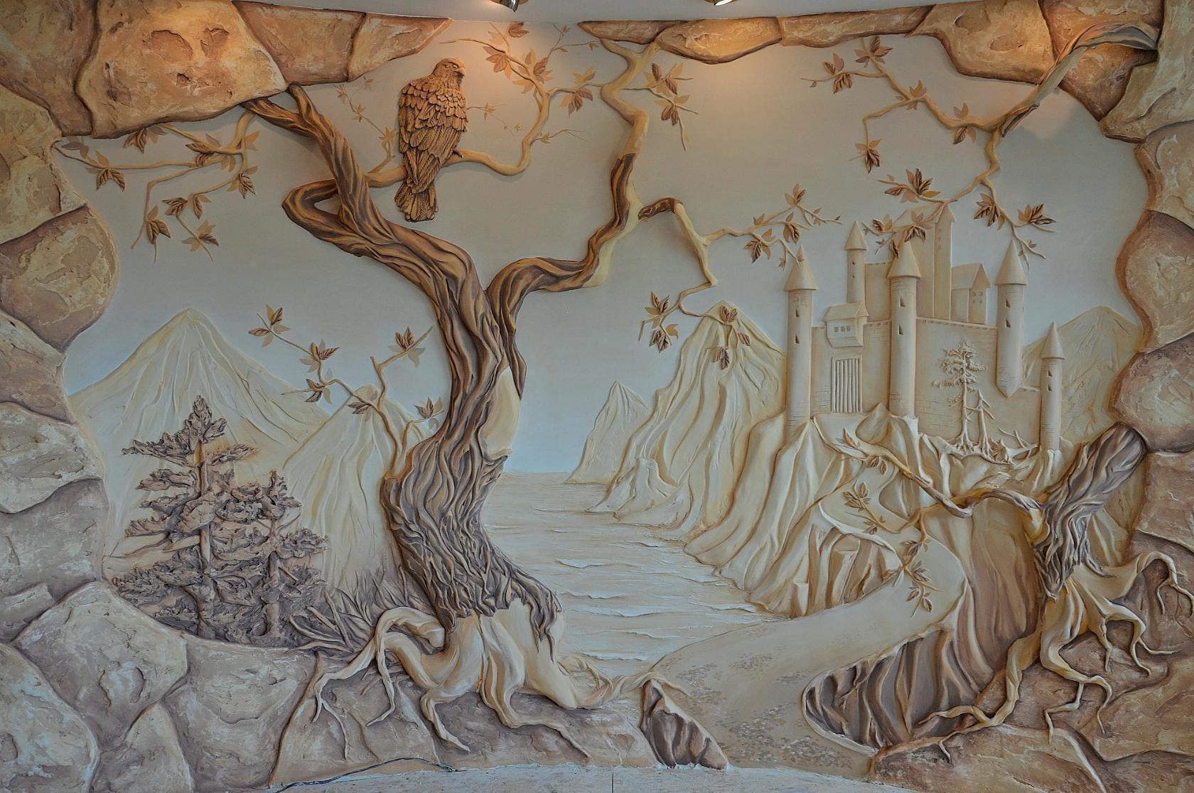 объемные рисунки из гипса на стене