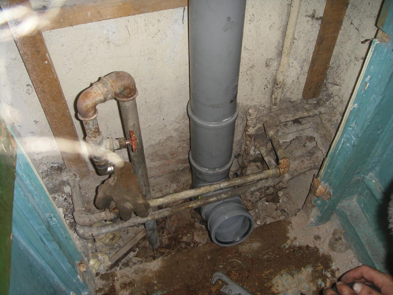 как заменить стояк канализации