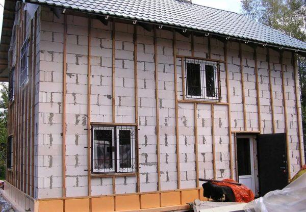 Утепление стен из пеноблоков