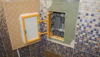 Как скрыть все трубы в санузле после ремонта, но оставить к ним доступ