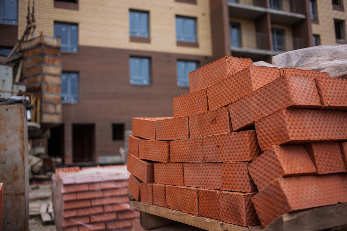 Строительный кирпич - самый популярный стеновой материал