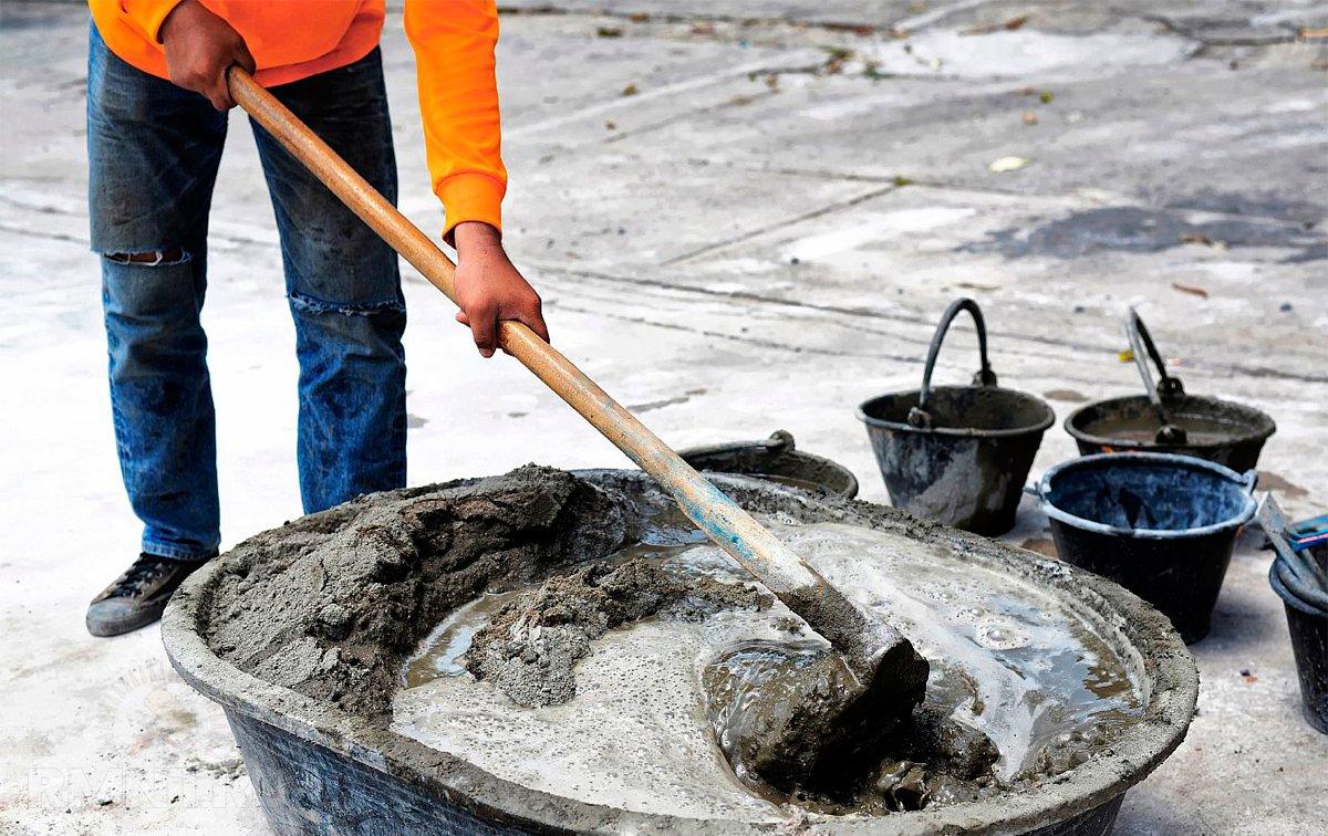 хорошо замешанный цементный раствор