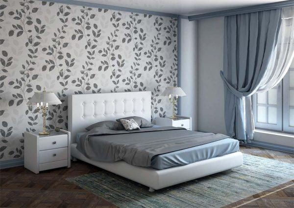 Спальня с обычными обоями