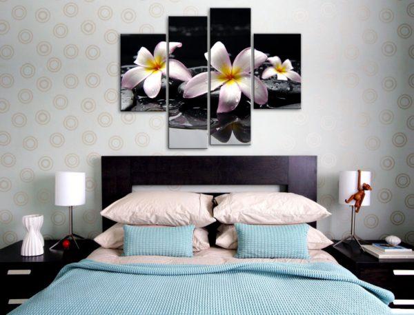 Фото картины в спальне