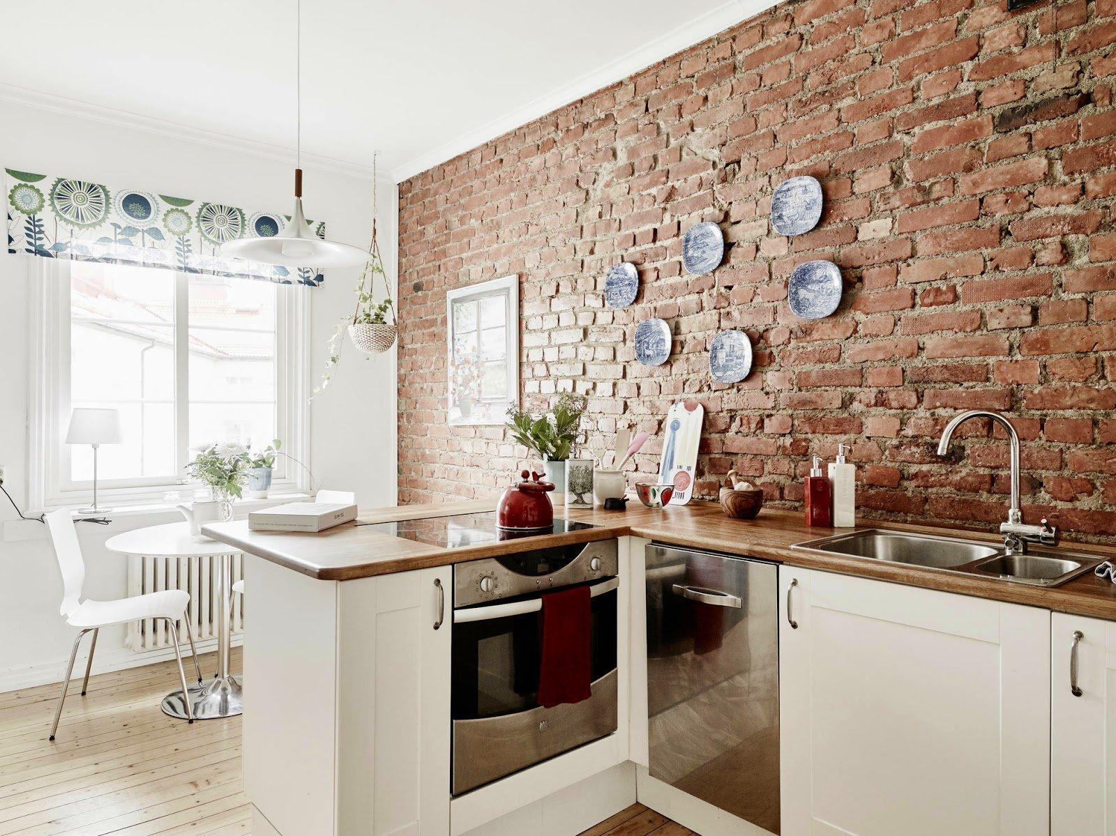 Модная отделка стен на кухне фото