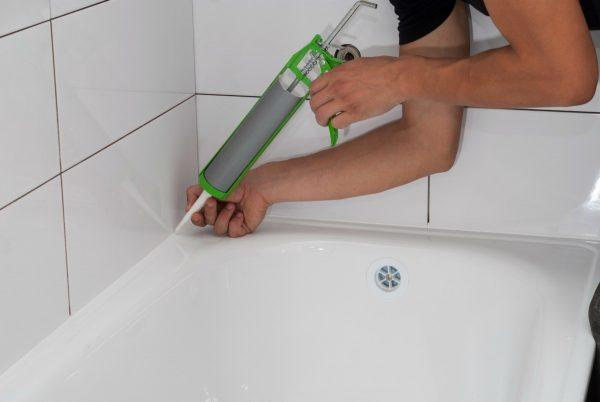 Силиконовый герметик для ванны