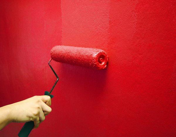 Эмульсионная краска на стене