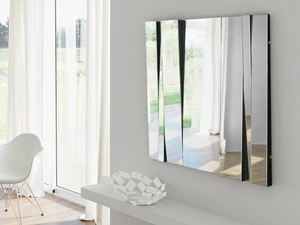 Фото зеркала на стене