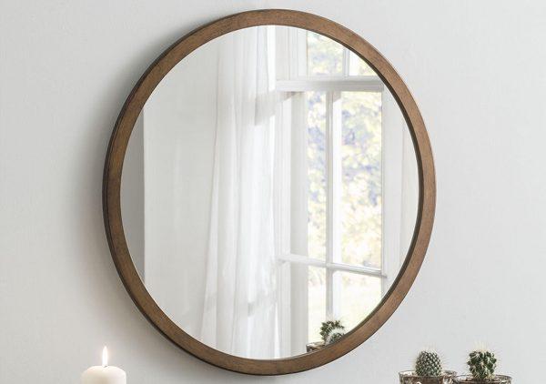 Зеркало на стене из гипоскартона