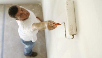 Как правильно подготовить стены к оклейке обоями поэтапно