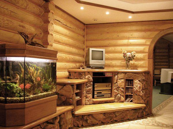 Блок хаус на стене