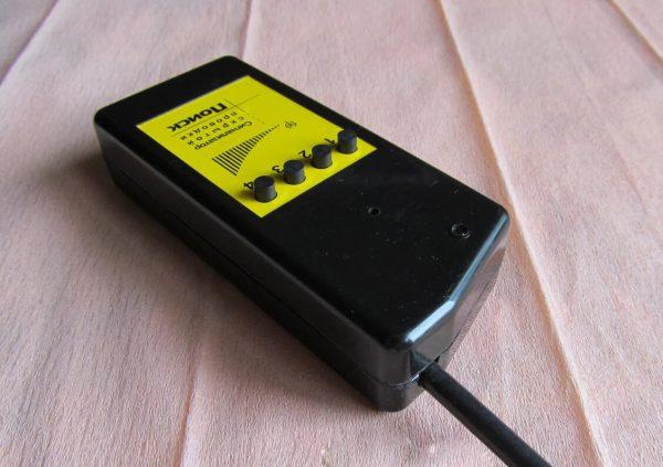 Фото детектора проводов