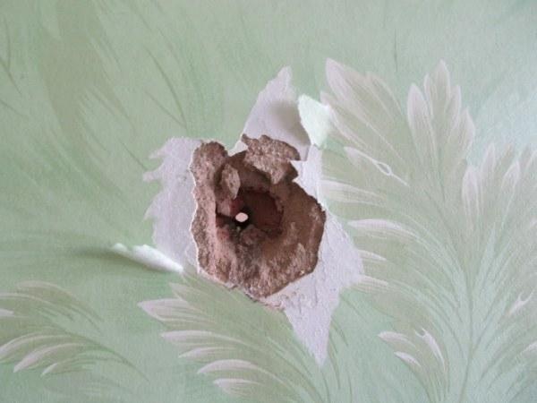 Фото дыры в стене
