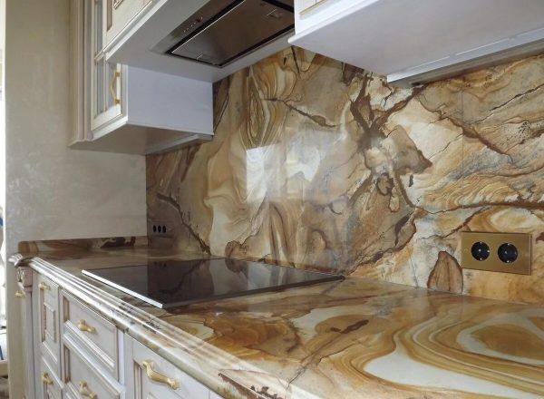 Гибкий камень на кухне