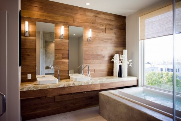 Ламинат на стене в ванной