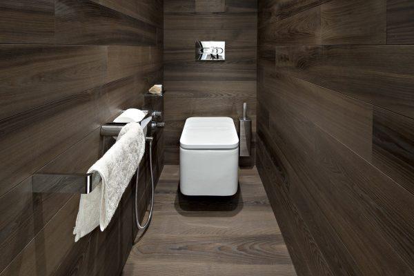 Ламинат в туалете