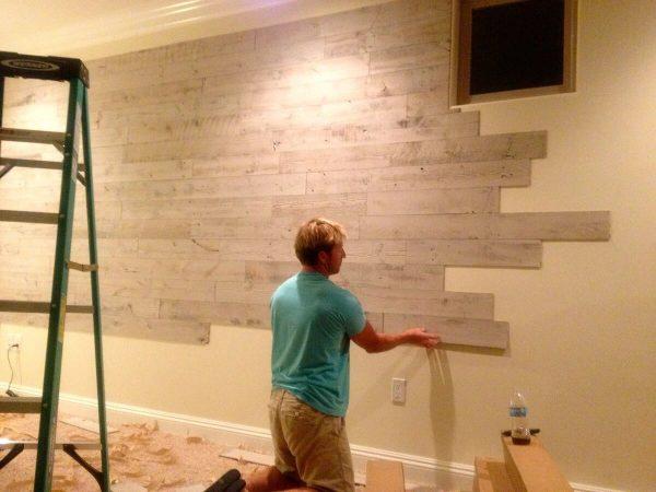 Монтаж ламината на стену
