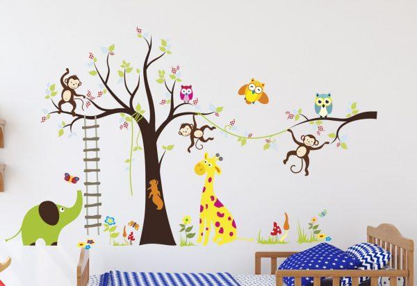 Наклейка дерево на стене