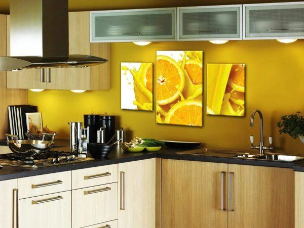Фото постеров на кухне