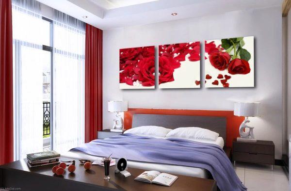 Фото постеров в спальне