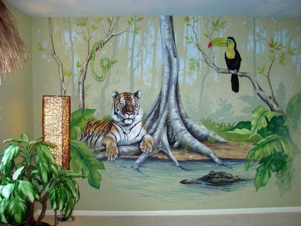 Рисунок природы на стене