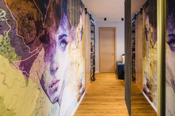 Роспись стен в коридоре