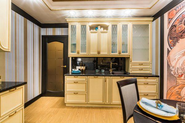 Золотистый цвет на кухне
