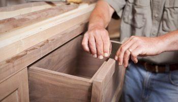 Что из предмета мебели может быть выгоднее смастерить самостоятельно