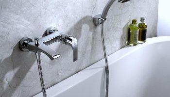 Почему не следует выбирать бюджетный смеситель с душем в ванную и чем это может грозить