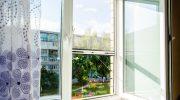 Почему противомоскитная сетка нужна даже на высотных этажах