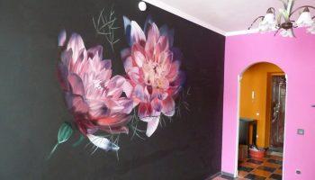 Как красиво разрисовать стену в комнате своими руками
