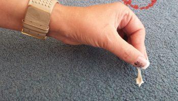 Методы удаления жвачки с ковра