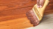 Какое средство для ремонтных работ защищает дерево от потертостей и старения