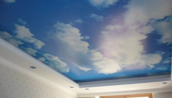 Почему натяжной потолок стал «липнуть» к потолку