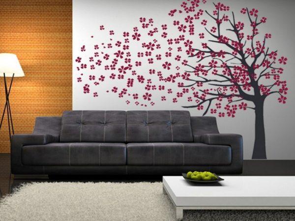 Фото дерева в гостиной