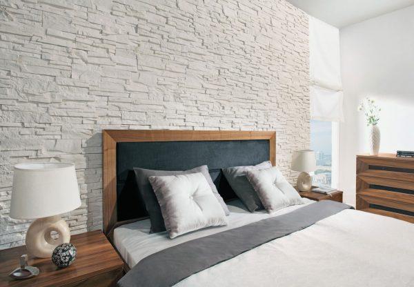 Гипсовая плитка в спальне
