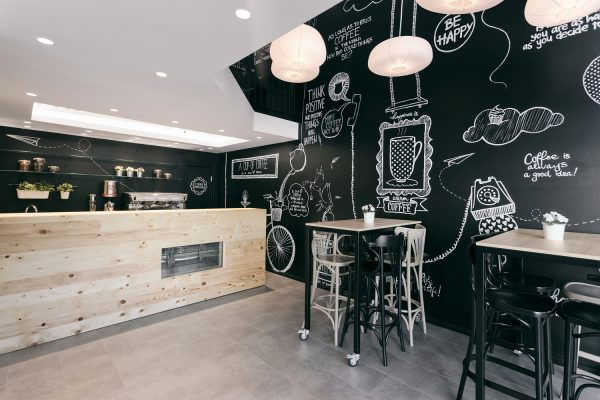 Фото грифельной стены на кухне