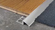 Как крепить алюминиевый порожек потайным способом