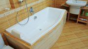 Почему ванну не стоит устанавливать далеко от стояка